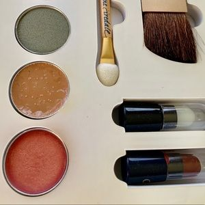 jane iredale Makeup - NIB Jane Iredale Medium/Dark Makeup sample Kit